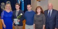 Viluste Põhikooli õpilane Kevin Alvela vanematega