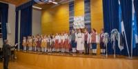 Viluste Põhikooli mudilas- ja lastekoor ning juhendaja Eero Paltsepp